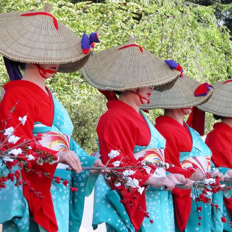 Frauen bei einem japanischen Matsuri in Miyagi, Japan