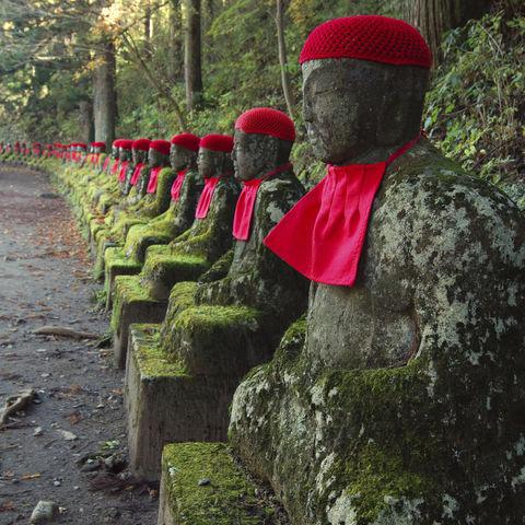 Buddhistische Jizo-Statuen in Nikko, Japan