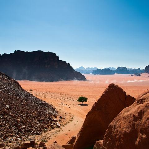 Die Wüstenlandschaft des Wadi Rum, Jordanien