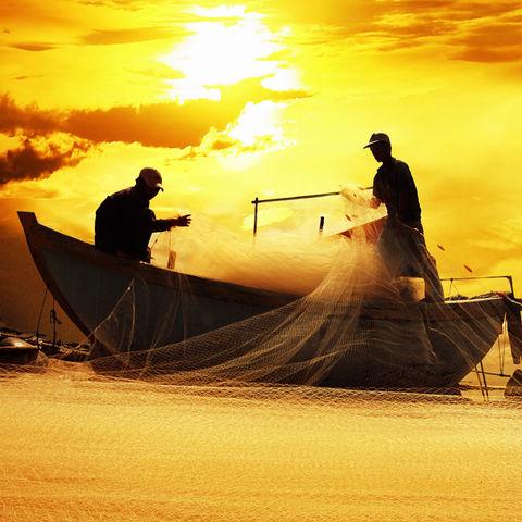 Silhouette von Fischern, Kambodscha