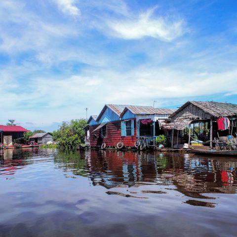 Schwimmende Häuser auf dem auf dem Tonle Sap See zwischen Siem Reap und Battambang, Kambodscha