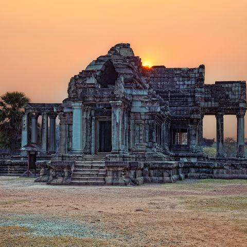 Sonnenuntergang an einem Tempel in Siem Reap, Kambodscha