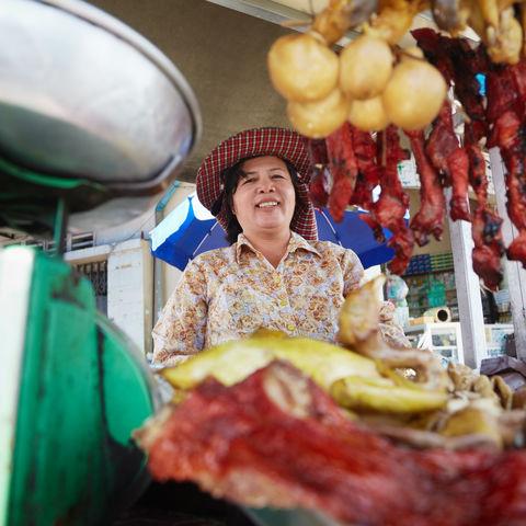 Straßenverkäuferin, Kambodscha