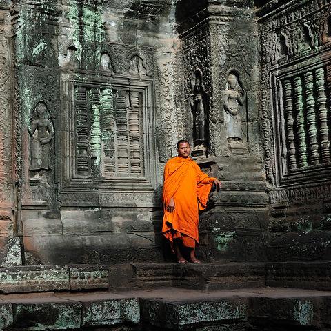Mönch im Ta Prohm Tempel, Kambodscha