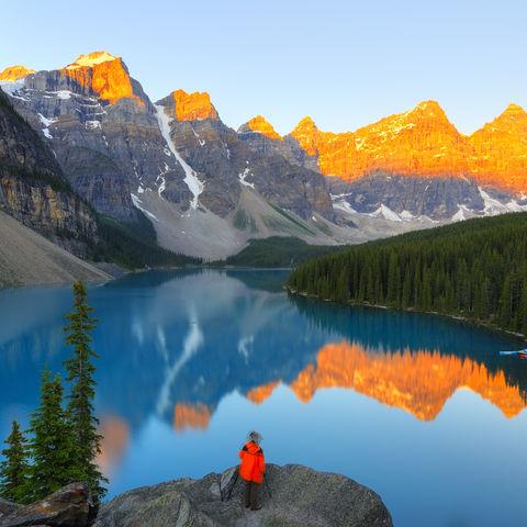 Traumhafter Blick über den Lake Moraine, Kanada