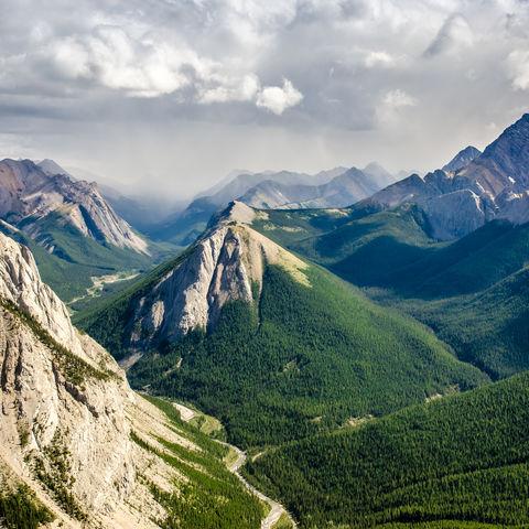 Bergpanorama im Jasper-Nationalpark, Kanada