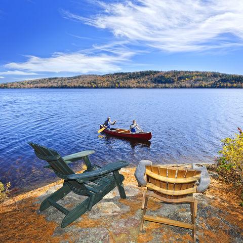 Kanufahrt auf dem Lake of two Rivers im Algonquin-Park, Kanada