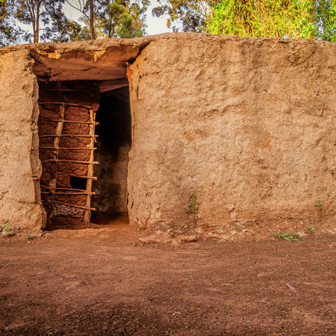 Typisches Lehmhaus der Massai, Kenia