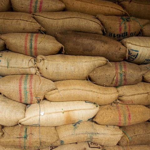 Säcke voller Kaffeebohnen, Kolumbien
