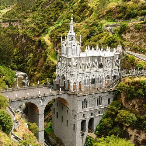 Mitten in einem Canyon gelegen: die heilige Kirche von Las Lajas, Ipiales, Kolumbien