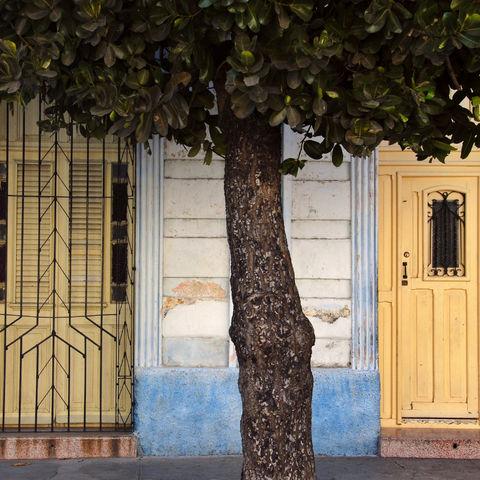 Türen in Cienfuegos, Kuba