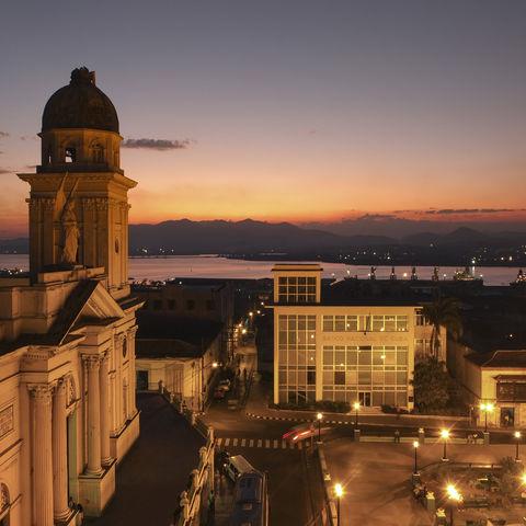 Santiago de Cuba bei Sonnenuntergang, Kuba
