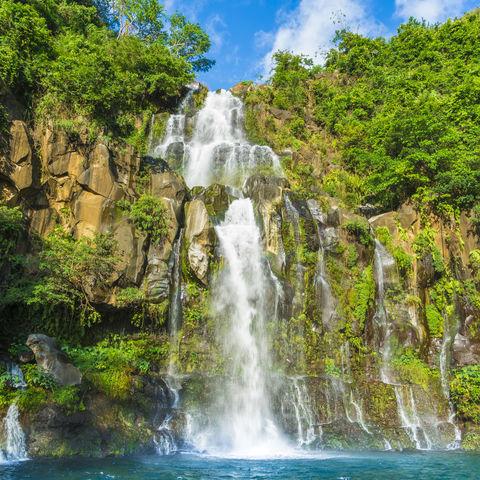 Wasserfall mit Badebucht: Bassin des Aigrettes, La Réunion