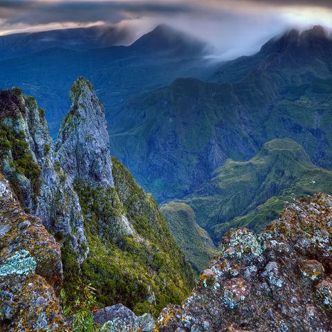 Kessel des Cirquede Mafate vom Maido Aussichtspunkt aus, La Réunion