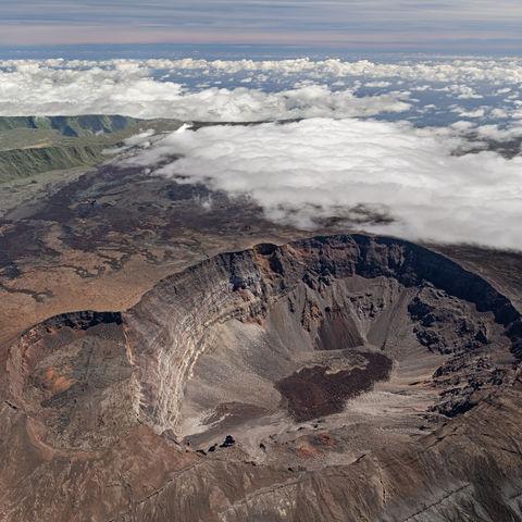 Aus der Vogelperspektive: Vulkan Piton de la Fournaise, La Réunion