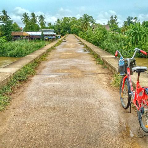 Brücke über den Mekong: Fahrradtour auf Don Det, 4.000 Inseln, Laos
