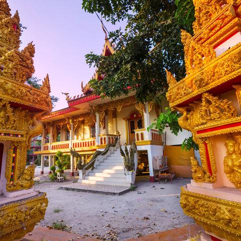 Auf goldenen Tempelspuren, Laos