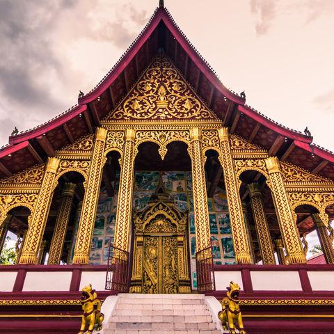 Buddhistisches Stadtbild Luang Prabangs: Wat Manorom, Laos