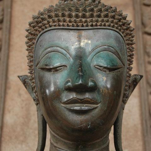 Buddha en face in Luang Prabeng, Laos