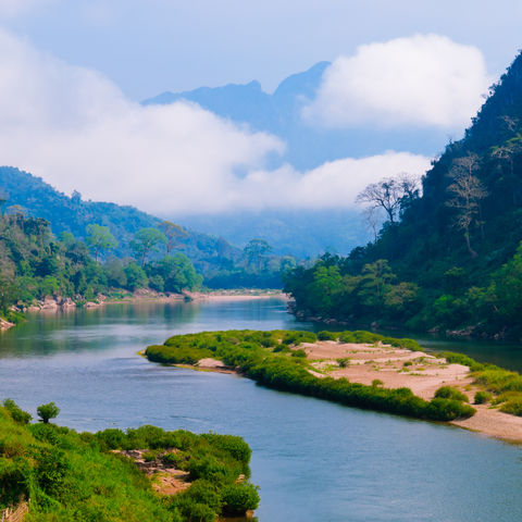 Nam Ou Fluss in Nong Khiaw, Laos