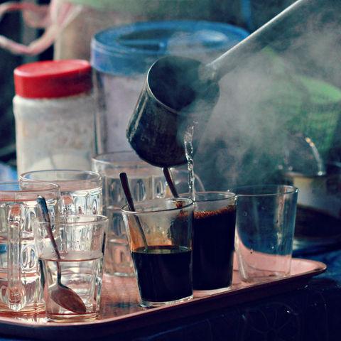 Traditioneller Kaffe mit Kondensmilch, Laos