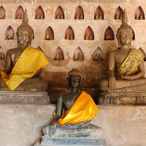 Buddhastatuen im Wat Sisaket, Laos