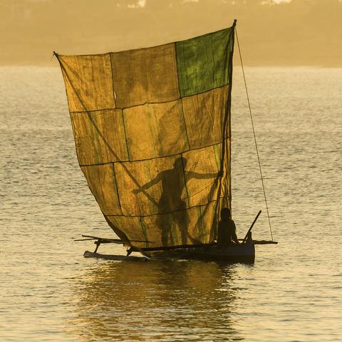 Fischer im Licht der Abendsonne, Madagaskar