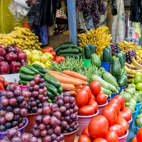 Frisches Obst und Gemüse auf einem der zahlreichen Märkte in San Cristobal de las Casas, Mexiko