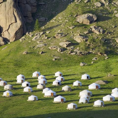Ger-Camp (bzw. Jurtencamp) im Gorchi Tereldsch Nationalpark, Mongolei