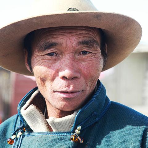 Freundlicher Mann mit Hut, Mongolei