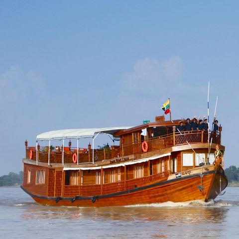 Die Amara I und Amara II auf dem Irrawaddy Fluss