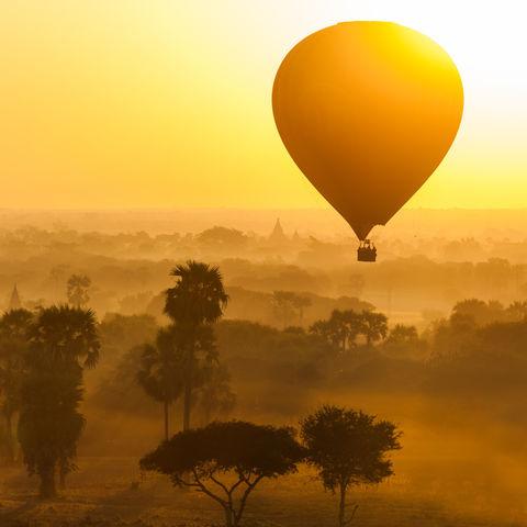 Heißluftballon über Bagan, Myanmar