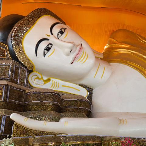 Liegender Buddha im Shwethalyaung-Tempel