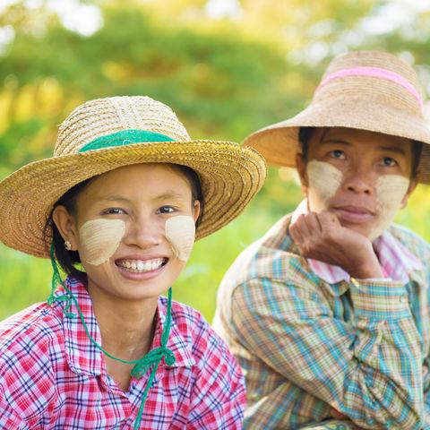 Burmesische Bauern © Szefei, Dreamstime.com