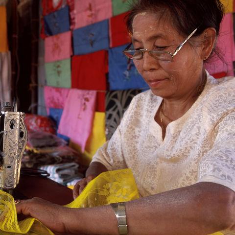 Burmesische Schneiderin, Myanmar