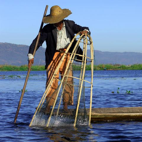 Fischer bei der Arbeit auf dem Inle See, Myanmar,