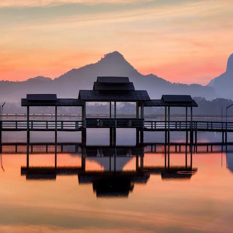 Sonnenaufgang am Hpa An See, Myanmar