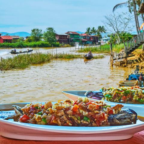 Mittagessen mit Aussicht: Fisch & Gemüse am Inle See, Myanmar