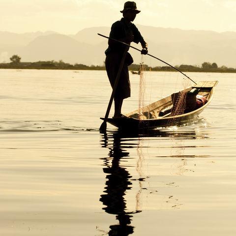 Fischer auf dem Inle See bei der Arbeit, Myanmar