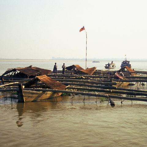 Boote auf dem Irrawaddy