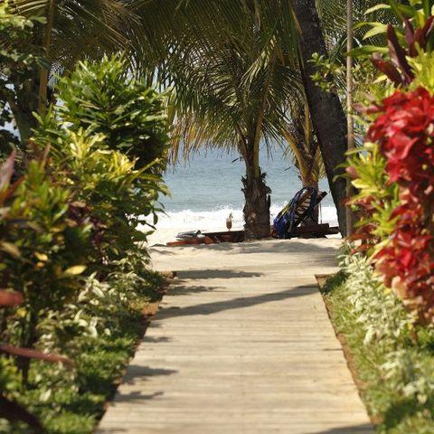 Garten des Bayview Beach Resorts, Myanmar