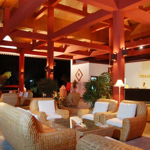 Lobby und Rezeption im Thande Beach Hotel, Myanmar