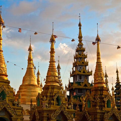 Goldene Stupas bei der Shwedagon Pagode, Myanmar