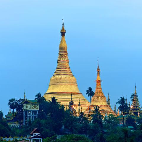 Sonnenaufgang über der Shwedagon Pagode