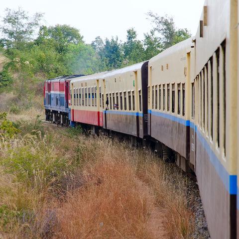 Burmesisches Eisenbahnerlebnis, Myanmar