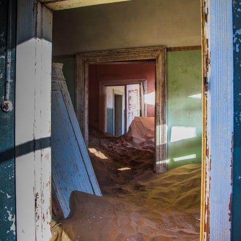 Verlassenes Haus in Kolmanskop, Namibia