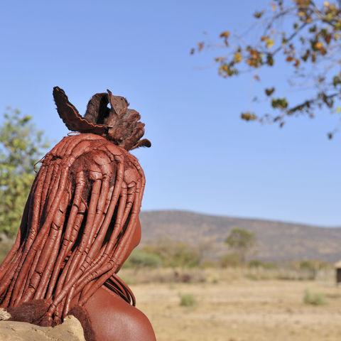 Verheiratete Himba-Frau im Kaokoveld, Namibia