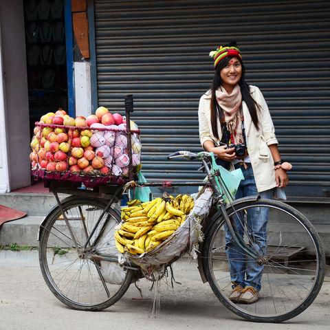 Straßenverkäuferin in Kathmandu, Nepal