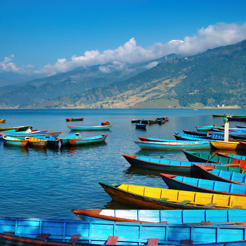 Boote auf dem Phewa-See, Nepal