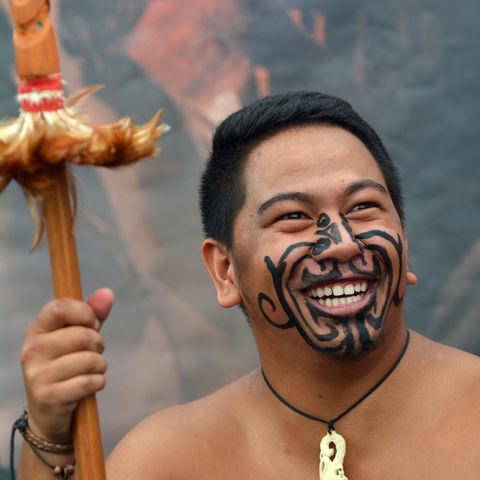 Lächelnder Maori-Mann © Rafael Ben Ari, Dreamstime.com